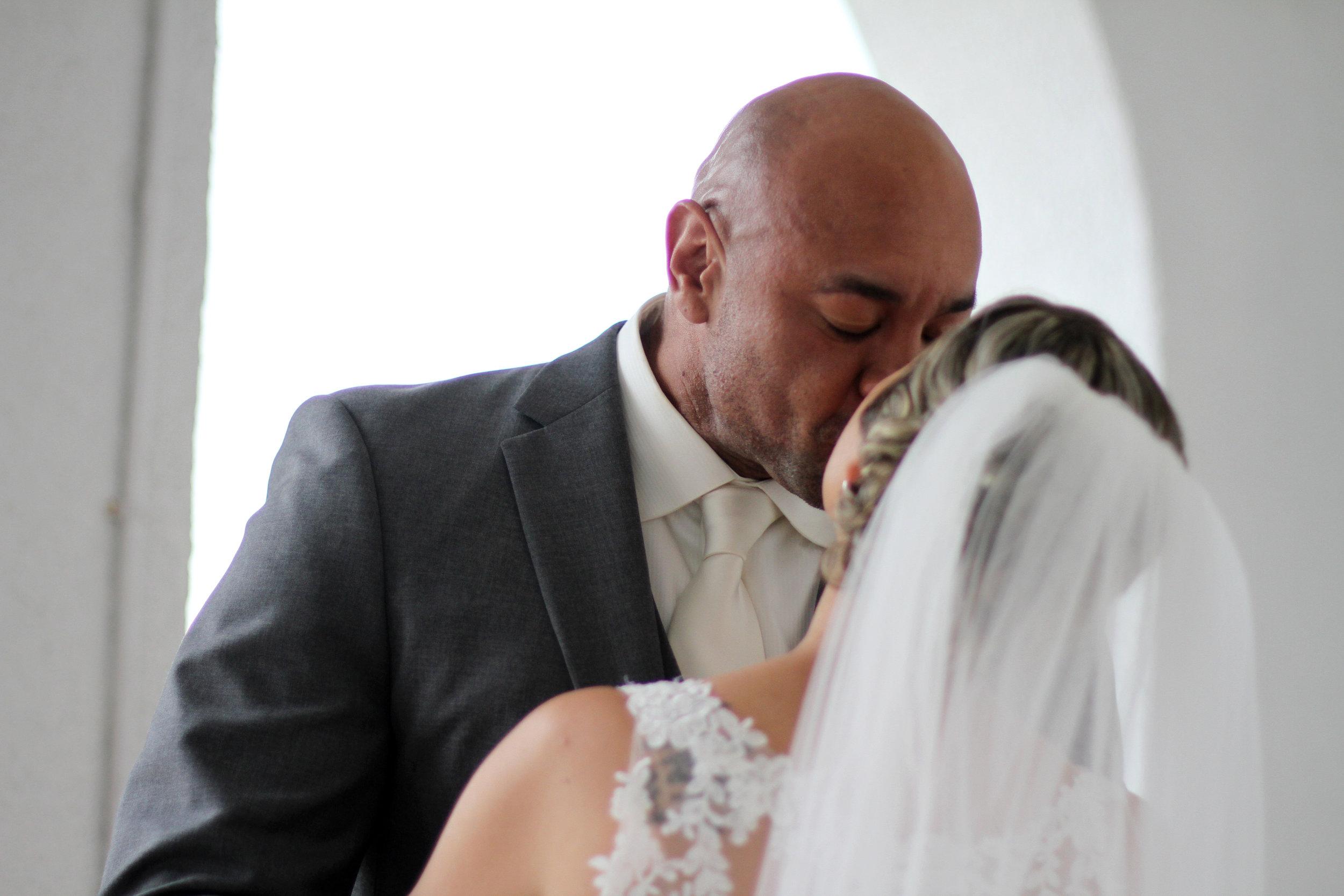 Jason and Claira kiss