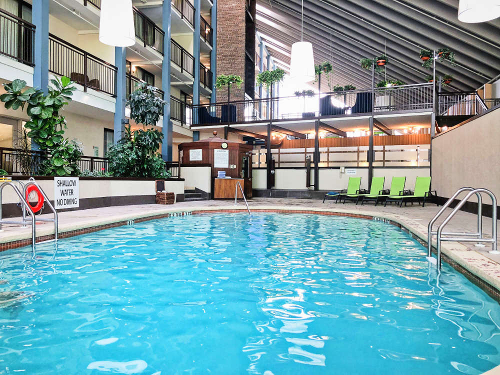 About the Holiday Inn Guelph Hotel & Conference Centre - Our quiet indoor pool is great for beginner and intermediate swimmers of all ages. Enjoy free towel service and wifi while you relax on our lounge chair seating.  Don't forget to check out our incredible restaurant bar/lounge located steps away from the pool in case you get hungry after your swim!