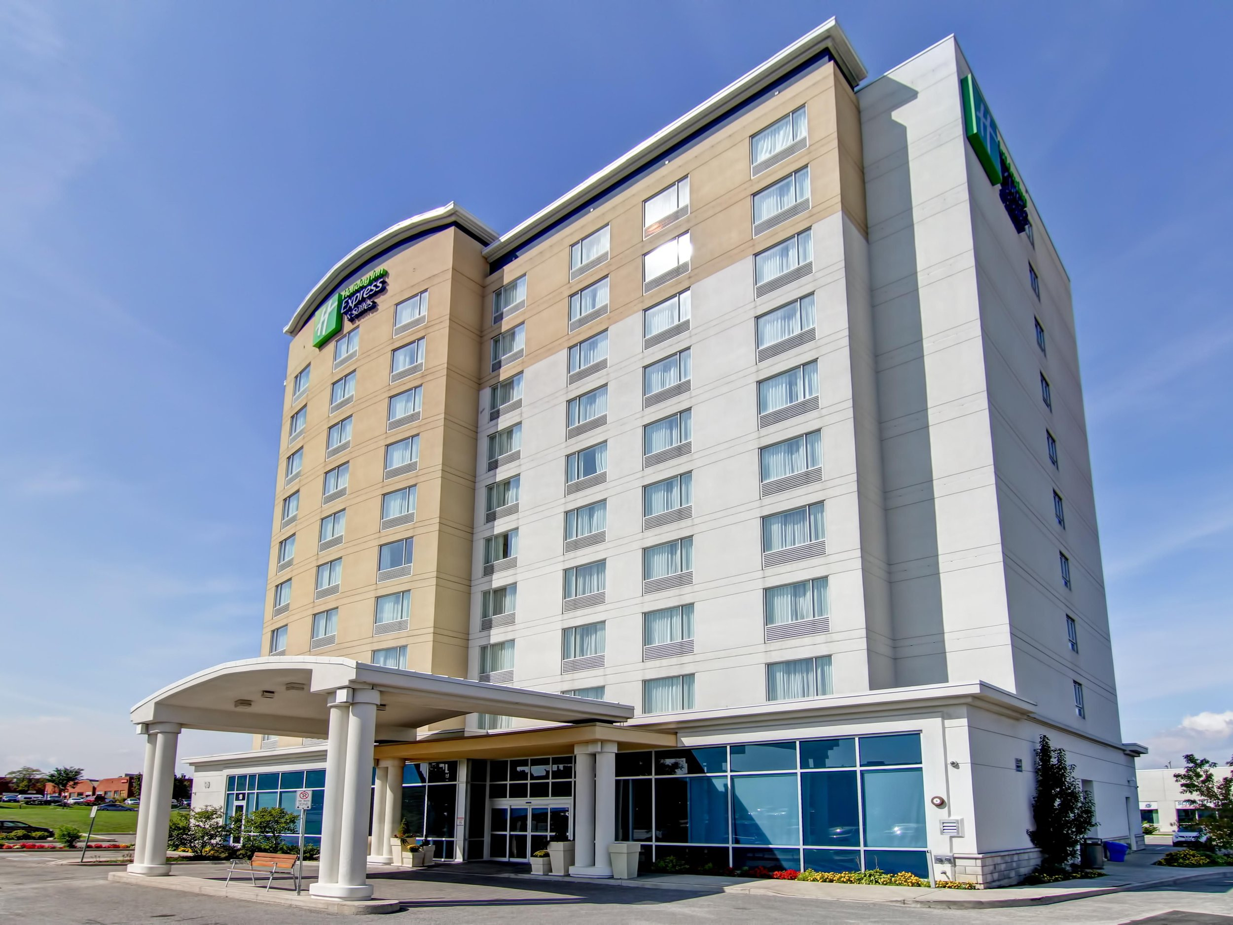 holiday-inn-express-and-suites-richmond-hill-4175834058-4x3.jpeg