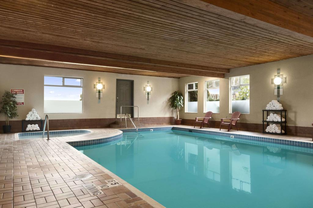 Travelodge Chilliwack - A quiet indoor pool that is great for beginner and intermediate swimmers looking to get learn or master the basics.