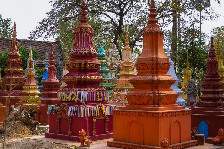 Colourful stupas in Siem Reap.     #siemreap #angkorwat #travelguide #travelblog #siemreapitinerary #cambodia #travelphotography #landscapephotography #fujifilm #siemreapprivatetour