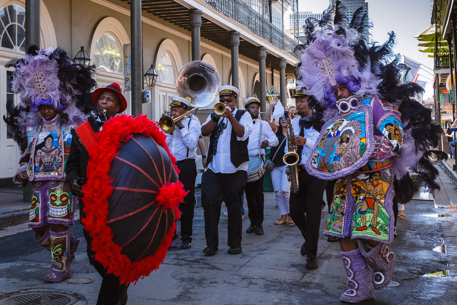 """Let loose in New Orleans with this long-weekend travel guide. Travel photography and guide by © Natasha Lequepeys for """"And Then I Met Yoko"""". #neworleans #nola #travelguide #photoblog #travelblog #travelphotography #streetphotography #travelitinerary #fujifilm #usa #visitnola #foodie #secondline #jazz #music #weekendgetaway #party #burbonstreet #travel #neworleans3dayitinerary"""