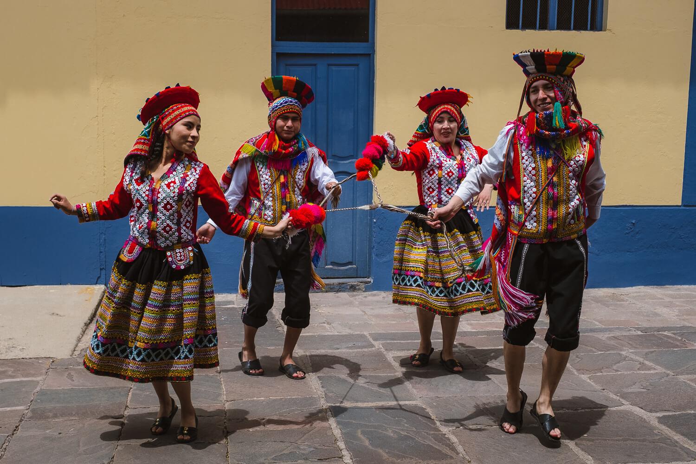 "Dancers before boarding the train. Travel photography and guide by © Natasha Lequepeys for ""And Then I Met Yoko"". #peru #sacredvalley #cusco #laketiticaca #belmondandeanexplorer #perurail #perutrain #luxurytravel #sleepertrain #photoblog #travelblog #travelphotography #fujifilm #andes #travel #travelperu #cuscotolaketiticaca #spiritofthelake #belmond #puno #southamerica"
