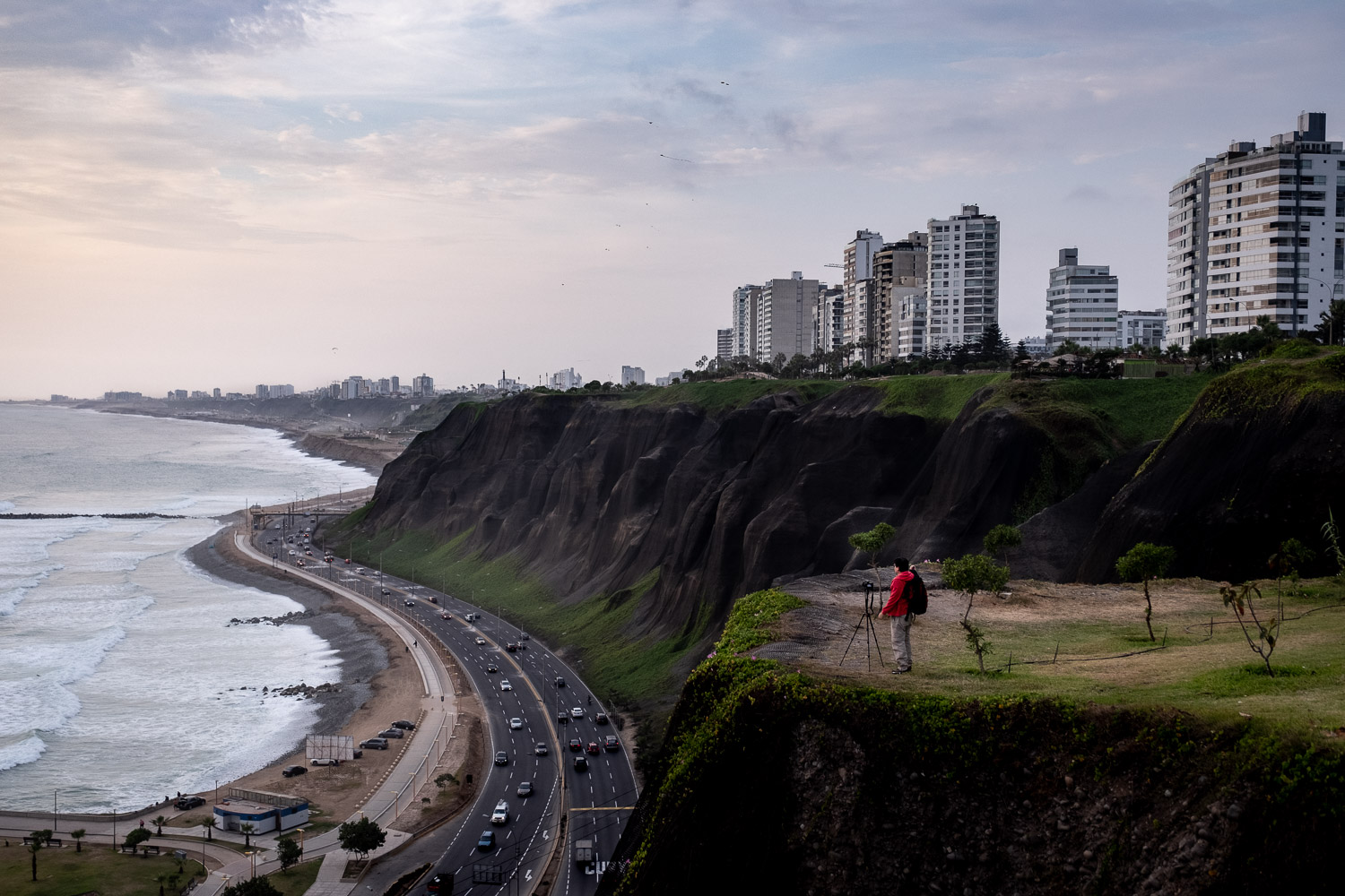 """Views of the ocean in Lima, Peru. Travel photography and guide by © Natasha Lequepeys for """"And Then I Met Yoko"""". #photoblog #travelblog #travelperu"""