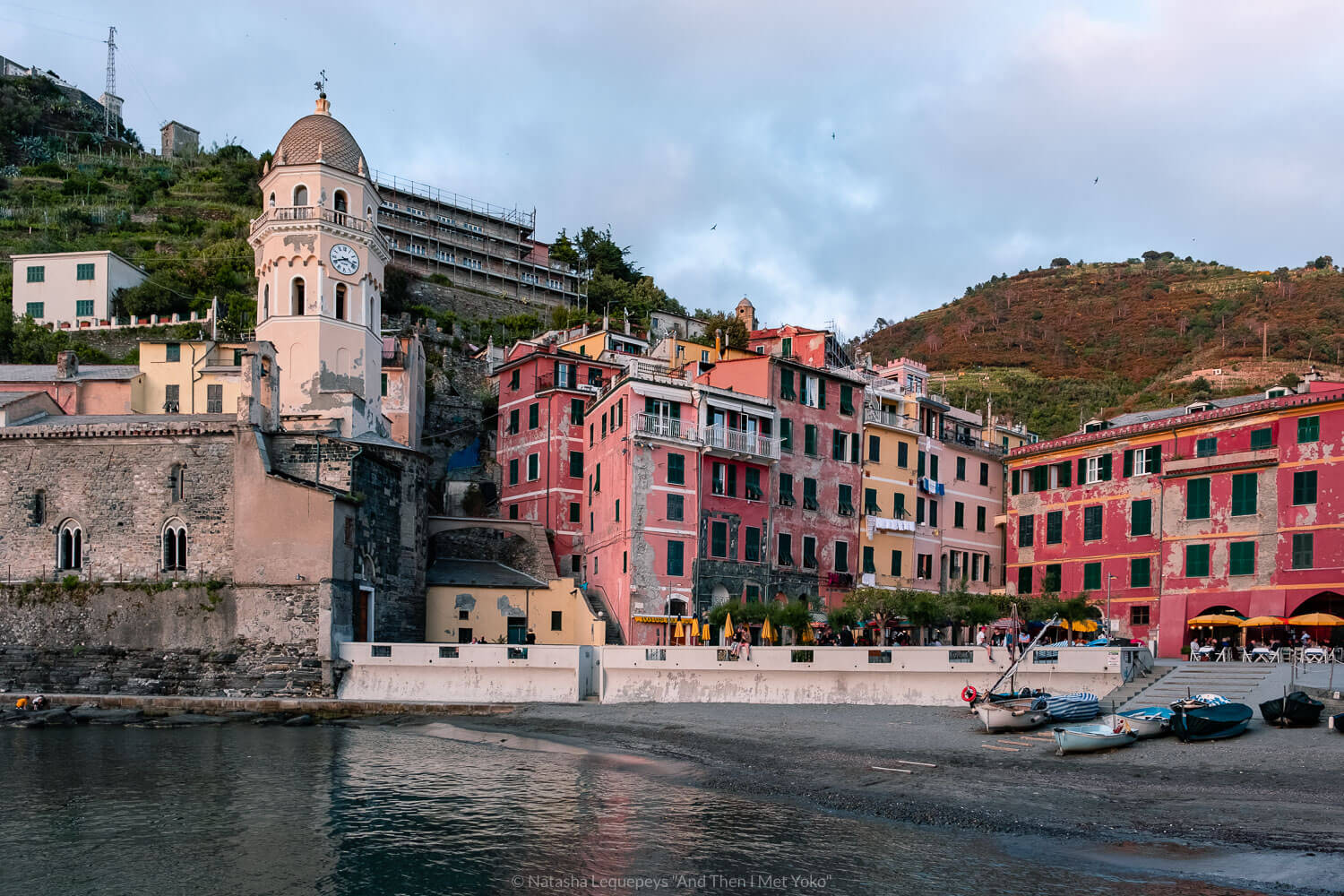 """Sunset in Vernazza, Cinque Terre. Travel photography and guide by © Natasha Lequepeys for """"And Then I Met Yoko"""". #cinqueterre #italy #travelphotography"""