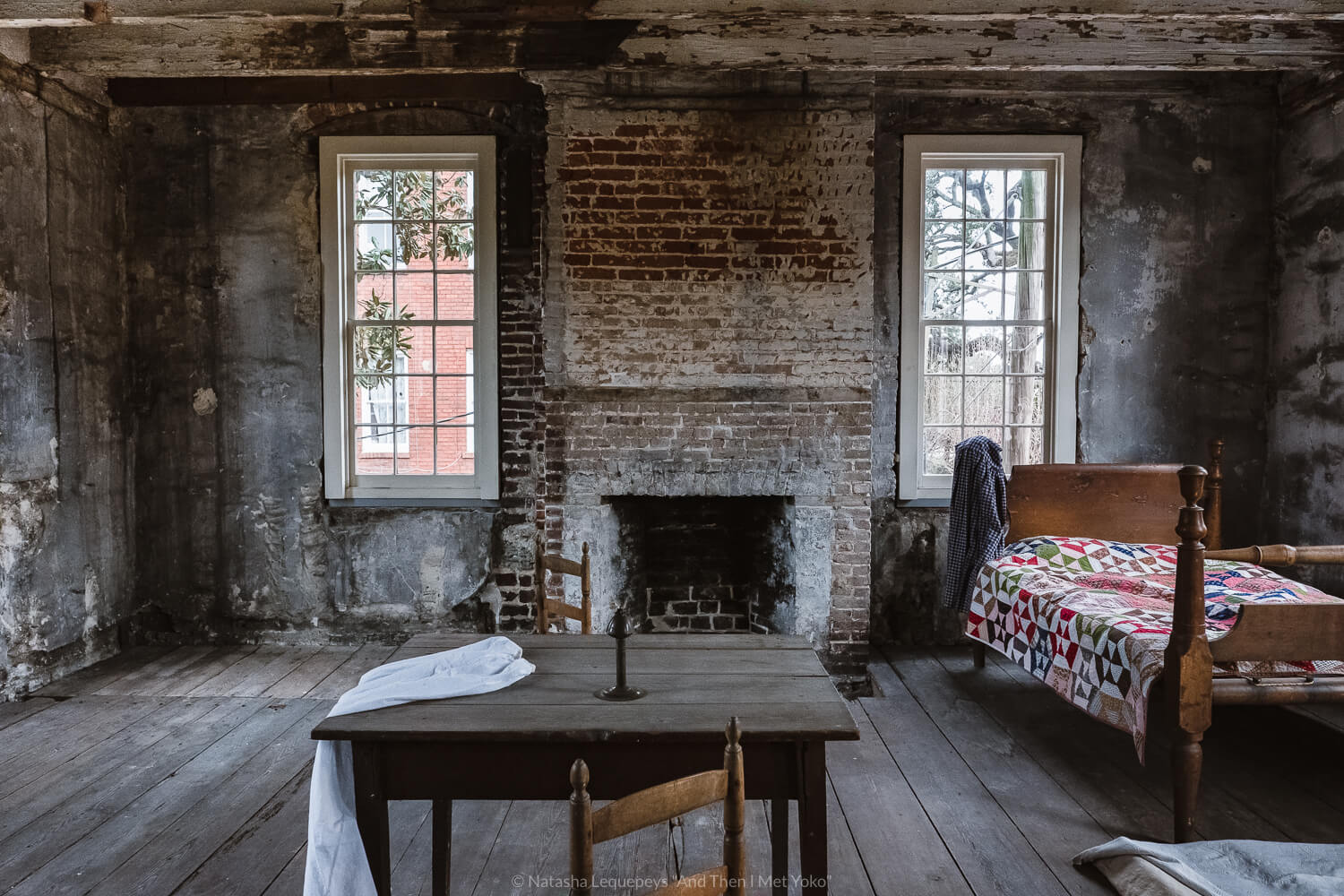"""Bedroom inside the slave quarters of the Thomas-Owens house. Travel photography and guide by © Natasha Lequepeys for """"And Then I Met Yoko"""". #savannah #usa #travelguide #travelblog"""