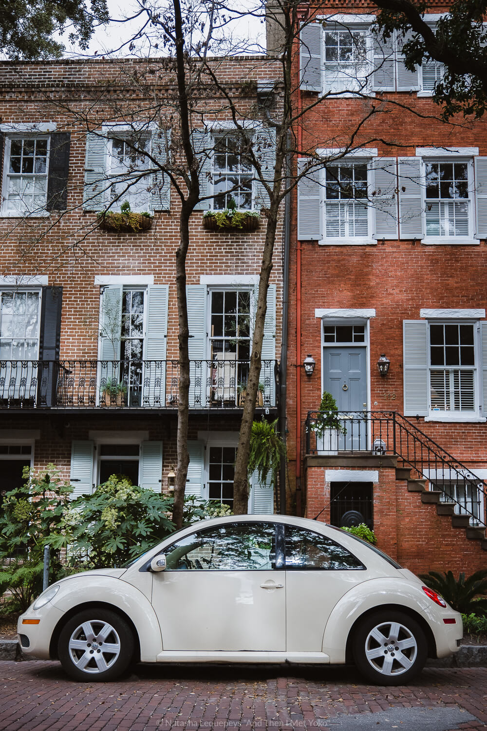 """The streets and houses of Savannah, Georgia. Travel photography and guide by © Natasha Lequepeys for """"And Then I Met Yoko"""". #savannah #usa #travelguide #travelblog"""