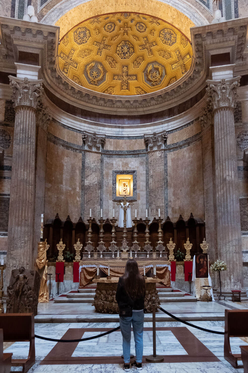 """The altar in the Pantheon in Rome, Italy. Travel photography and guide by © Natasha Lequepeys for """"And Then I Met Yoko"""". #rome #italy #travelblog #travelphotography"""