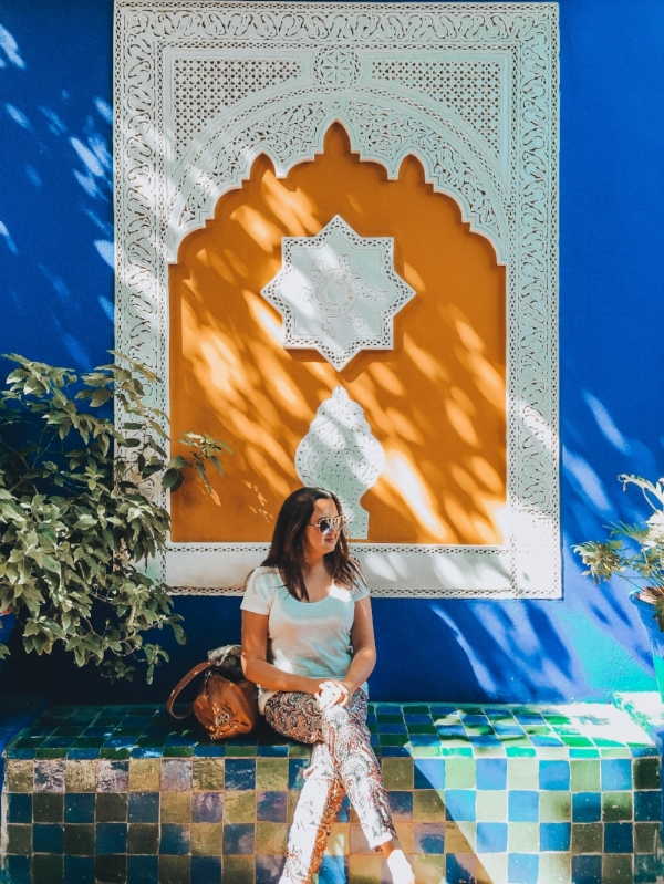 Marrakech, Morocco is one of the top dream destinations for solo female travelers. It gives you some kind of experiences and challenges that you will remember for the rest of your life. I am sitting at the bright tiles of Jardin Majorelle, one of the must visits of the red Moroccan city.