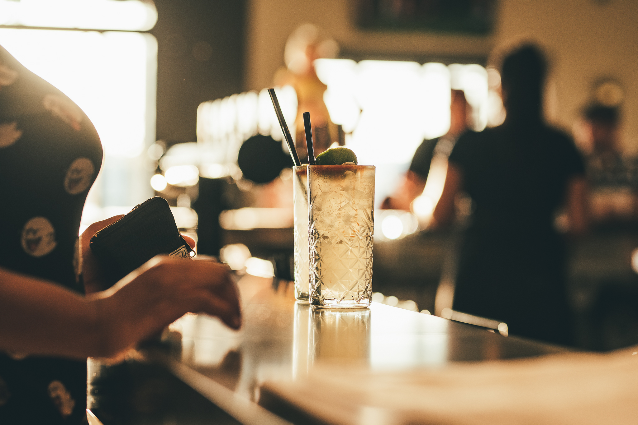 CA_DRINK ON THE BAR .jpg