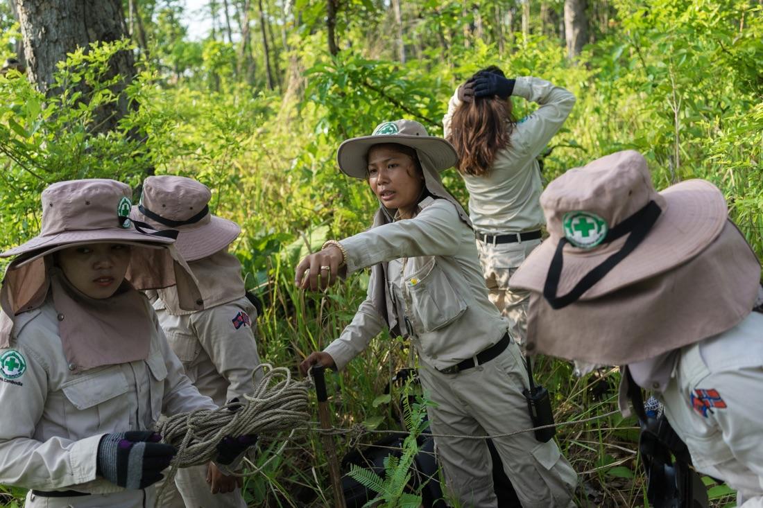 NPA's female UXO clearing team