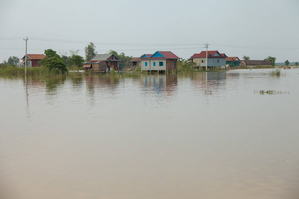 October 10, 2013 - Koh Prake Village (Kandal). The village is completed flooded with 2m of water. Heavy rains starting in the third week of September 2013 resulted in floods in 20 provinces throughout the north-west and along the Mekong River in central and southern Cambodia, killing 188 people and affecting more than 1.7 million. © Thomas Cristofoletti / Ruom for UNDP