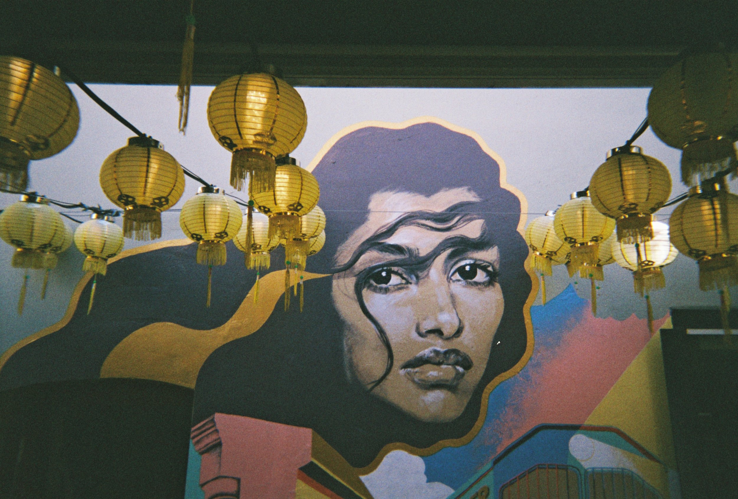 LOOKING FOR A MURAL ARTIST TO CREATE AN ARTWORK FOR YOUR SPACE? - OUR SPECIALIST TEAM CAN HELP!