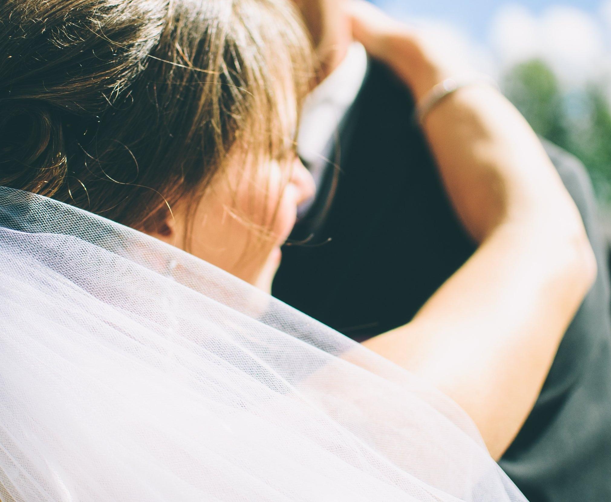 bride-close-up-couple-27733.jpg