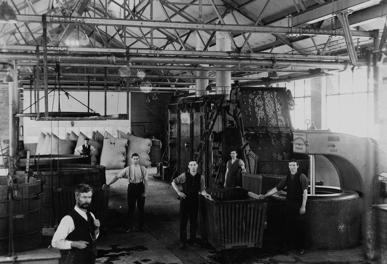 - THE MILLS WERE THE FIRST MAJOR MANUFACTURING OPERATION IN GEELONG.