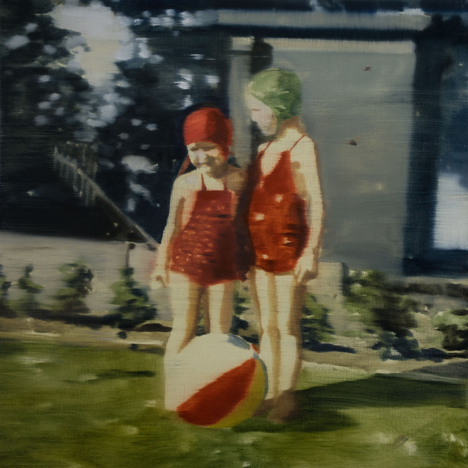DANI McKENZIE  Two Figures , 2019 oil on linen 31 x 31 cm