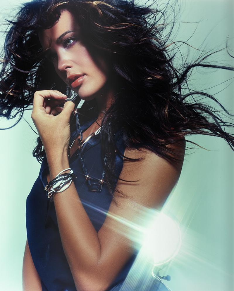 Megan Gale Vogue Italia 2.png
