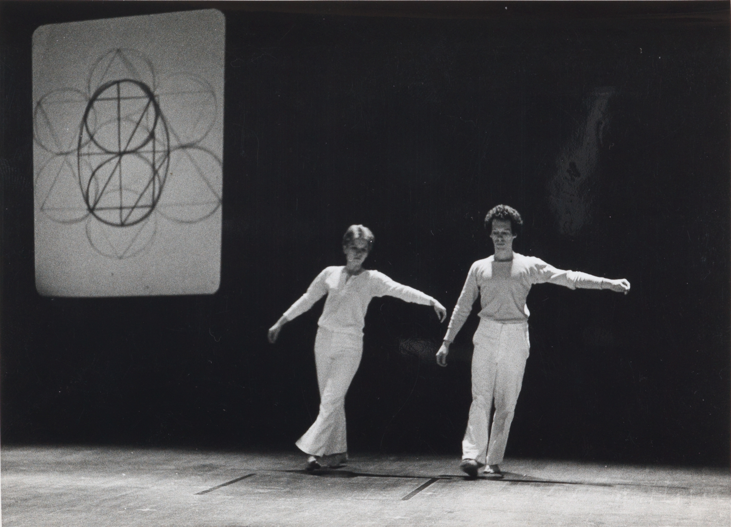 Simone Forti,  Zero , Performance documentation, Parco Theater, Tokyo, Japan, 1975