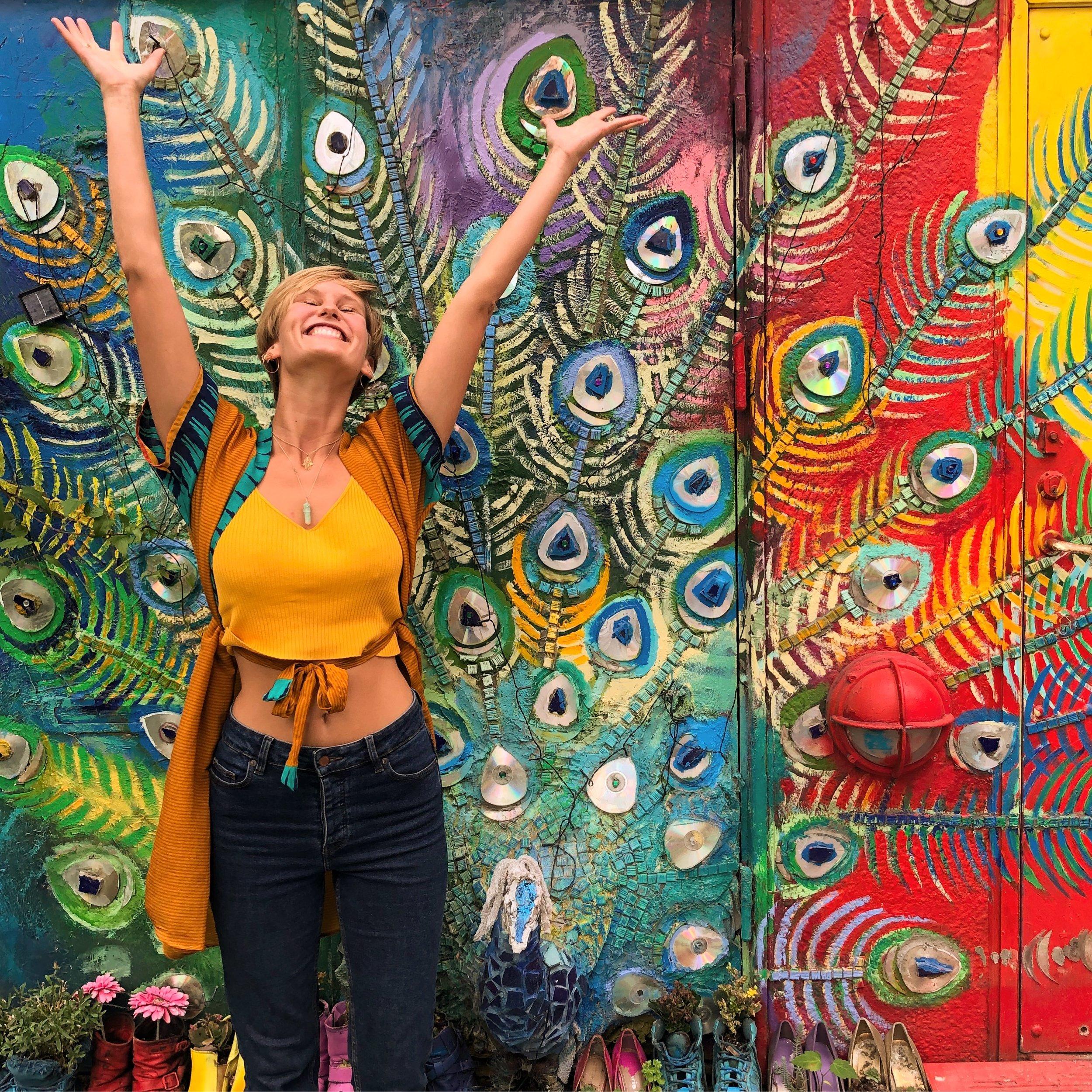 """Genvind din Glæde🤗 - Med """"Genvind din Glæde"""" får du et værktøj til at invitere mere god energi og glæde ind i dit liv🌟Du får adgang til to videoer, hvor jeg guider dig igennem refleksions-opgaver, som hjælper dig med at tage ansvar for din egen glæde🌼Du har for evigt adgang til denne fine sag og kan derfor gense den hver gang du får brug for et lille glædes-boost🌻"""
