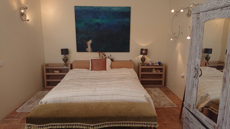 queensize bed.jpg