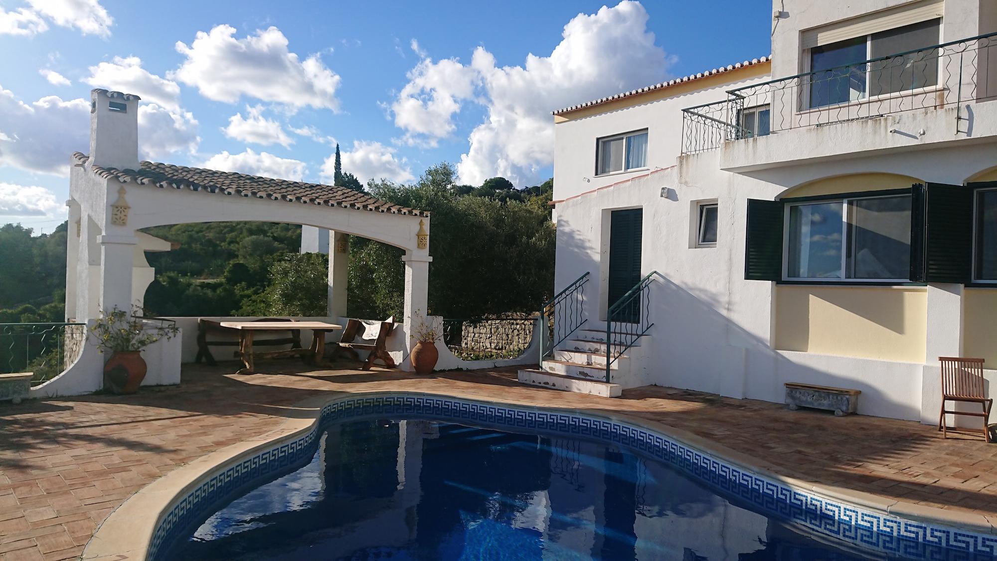 view of pool apt pool and bbq.jpg
