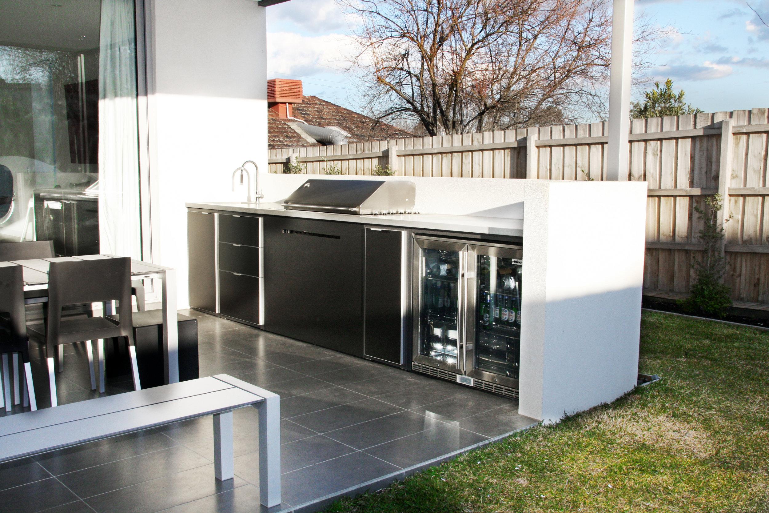 Outdoor Kitchen Burwood 2.jpg