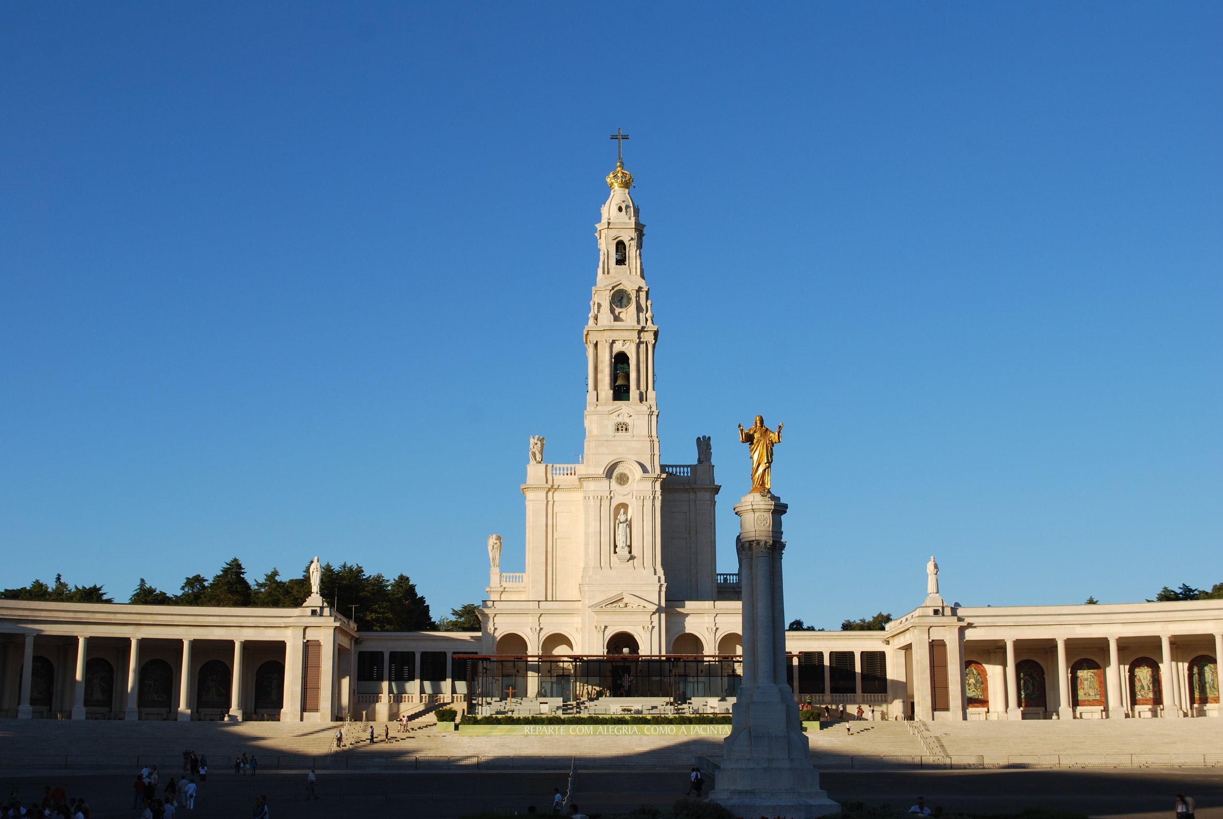 Santuário_de_Fátima_-_Vista_geral.jpg