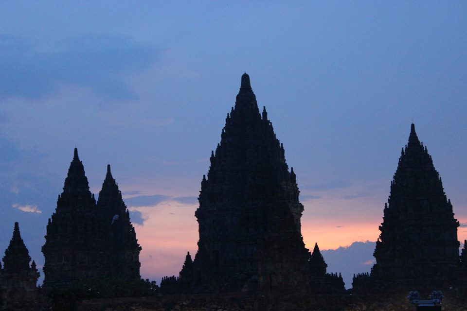 Coucher de soleil sur Prambanan