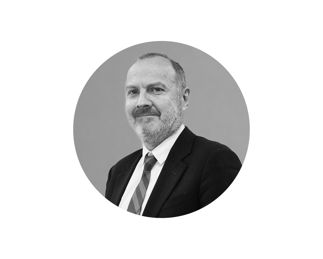 Neal Smith - Chief Finance OfficerNeal es contador público y es Director de Finanzas y está a cargo del Cumplimiento Normativo de RedCloud y su grupo de empresas. Tiene más de veinticinco años de experiencia en el desarrollo de estructuras financieras en empresas de tecnología y software, auditoría, fusiones y adquisiciones, incluyendo Cumplimiento Normativo y estructuración fiscal eficiente.