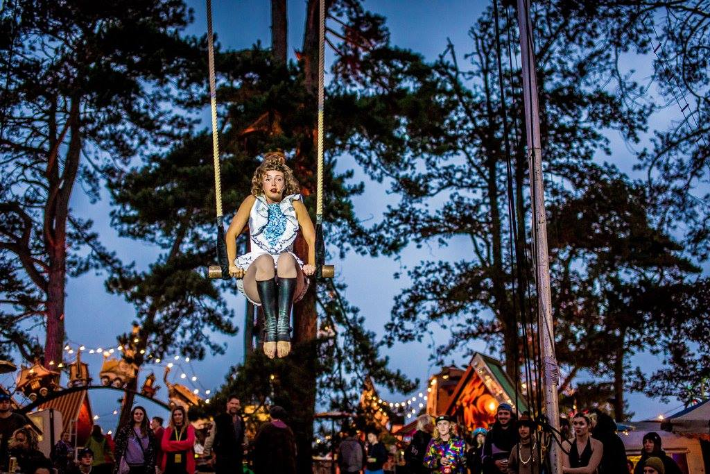 Tilly Lee Kronick, Cirque Bijou, Circus Playground.jpg