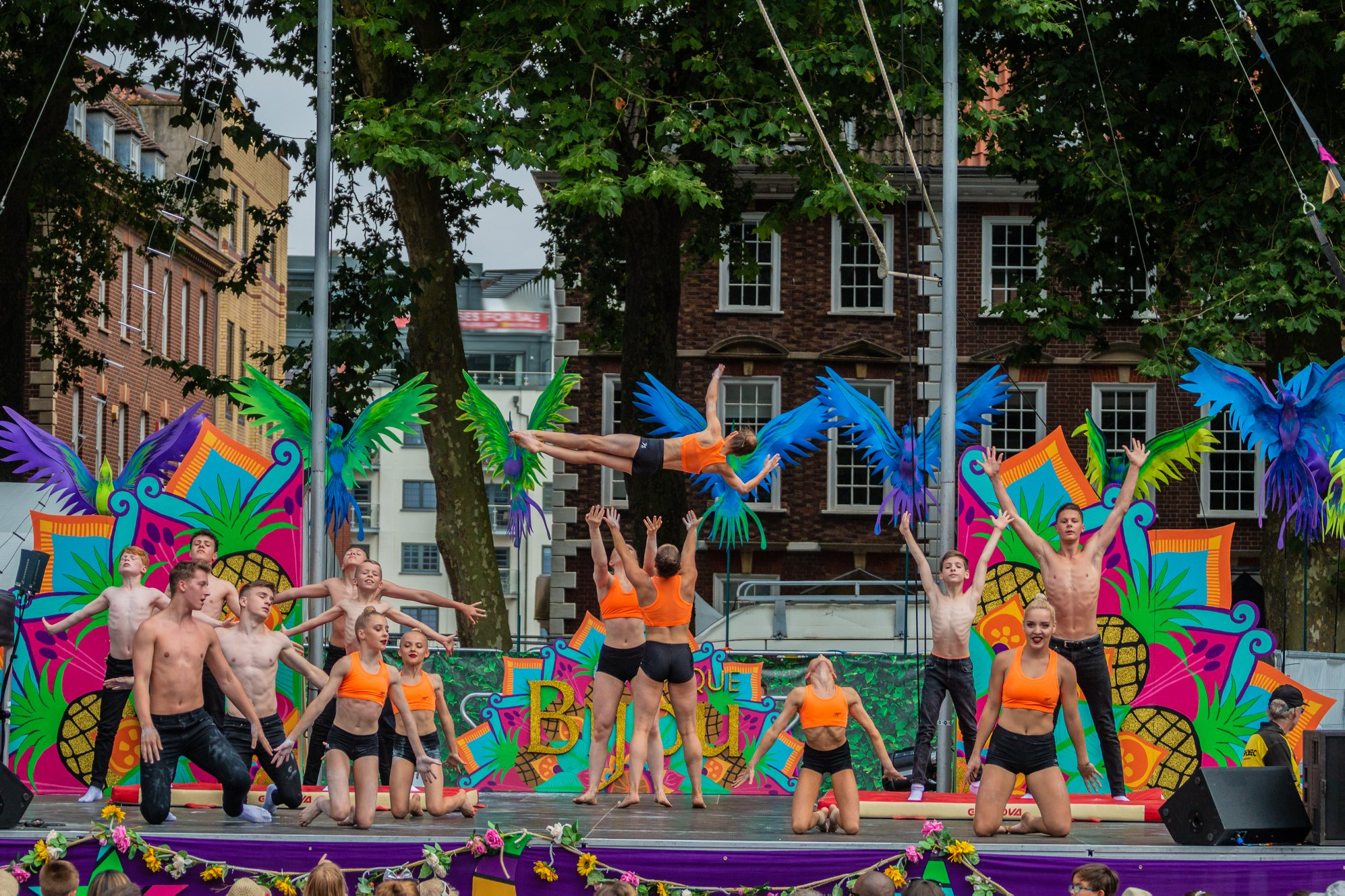 King Edmunds Acrobatic Club, Cirque Bijou, Circus Playground.jpg