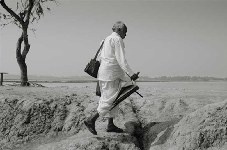 Village Doctor by photographer Shaikh Mohir Uddin