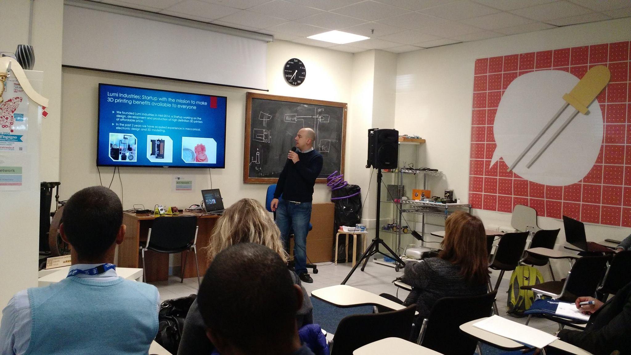 """Presentazione di progetti Lumi Industries al Congresso Internazionale """"Science Dissemination for Disables"""" presso  ICTP: International Centre for Theoretical Physics ."""