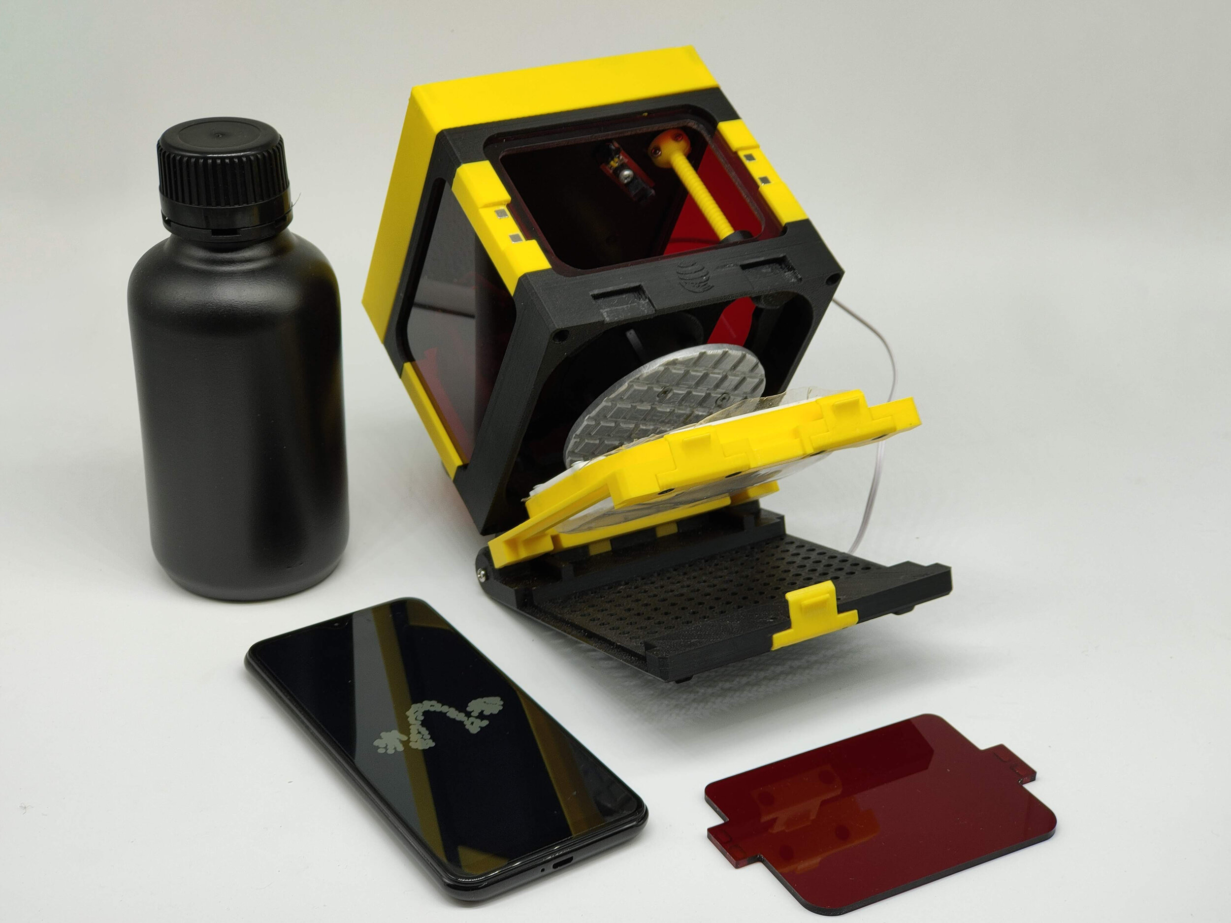components of Lumibee low cost 3D printer