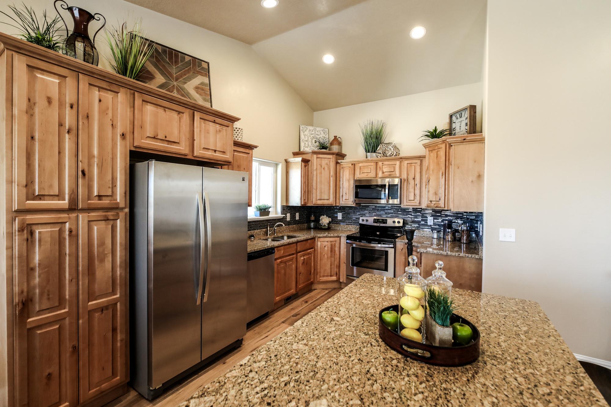 Kitchen 2-Edit.jpg