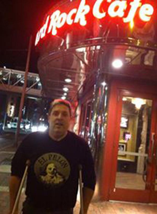 Hard-Rock-Philly-TShirt-Pic-.jpg
