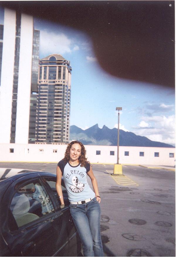 Monica-Cerro-de-la-Silla-Monterrey-Mexico.jpg
