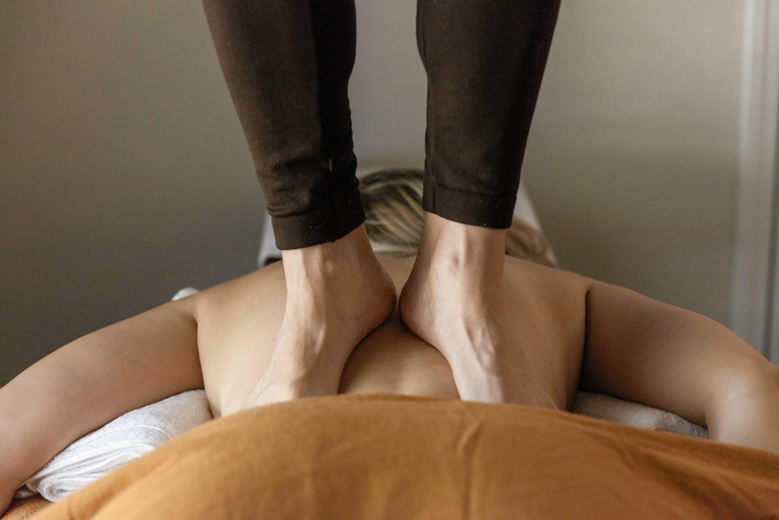 Deep Tissue: Ashiatsu Oriental Bar Therapy