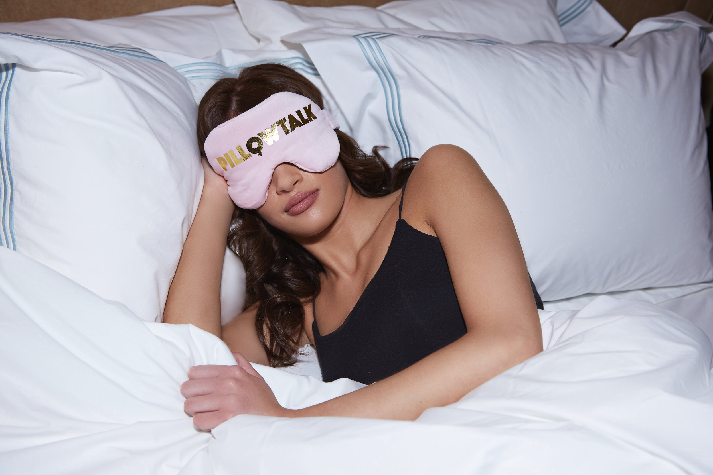 41_winks_sleep_essentials_pillowtalk_sam_sulam.jpg
