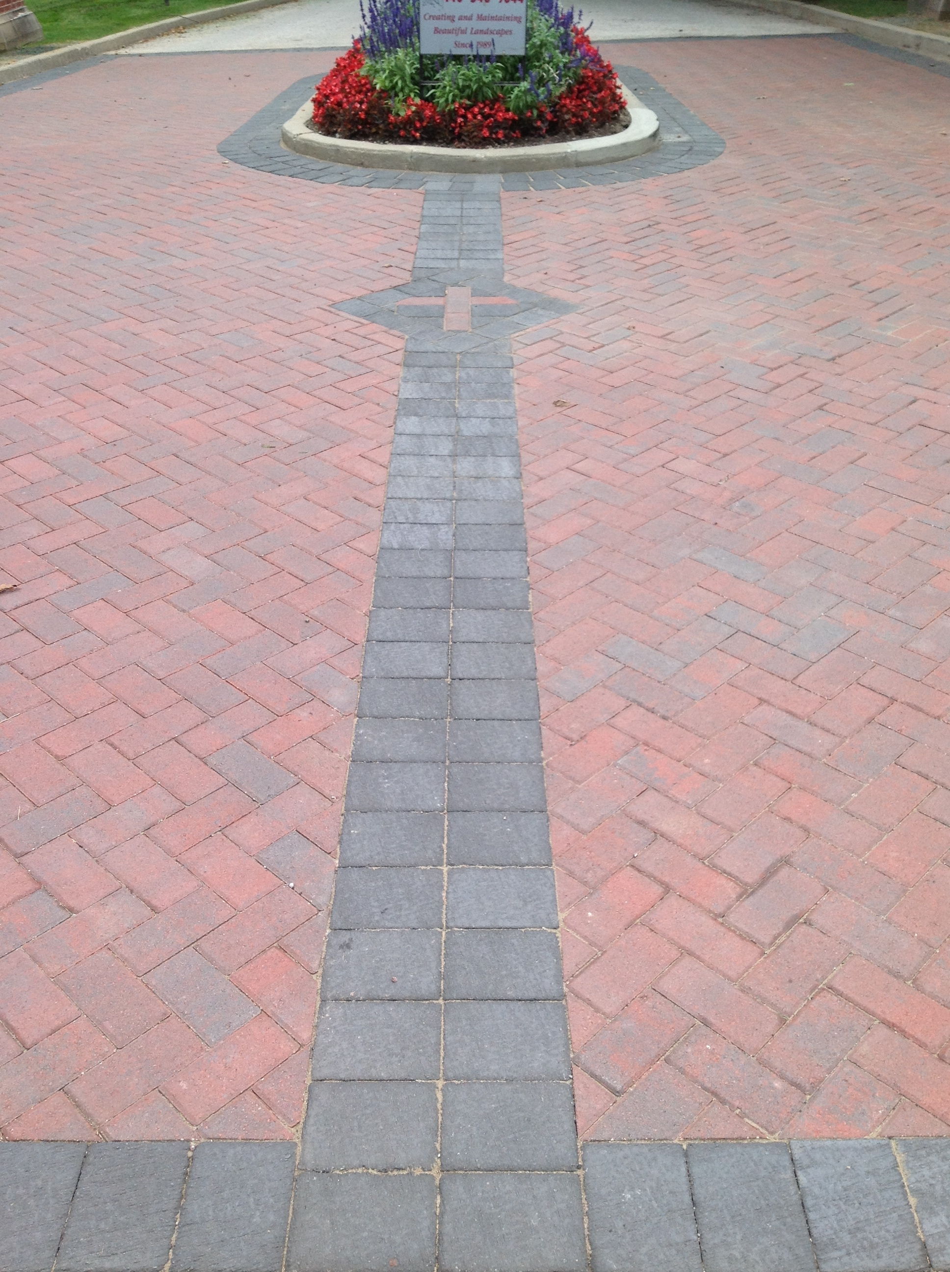 Patio pavers and drvieway landscape design in Novelty, OH
