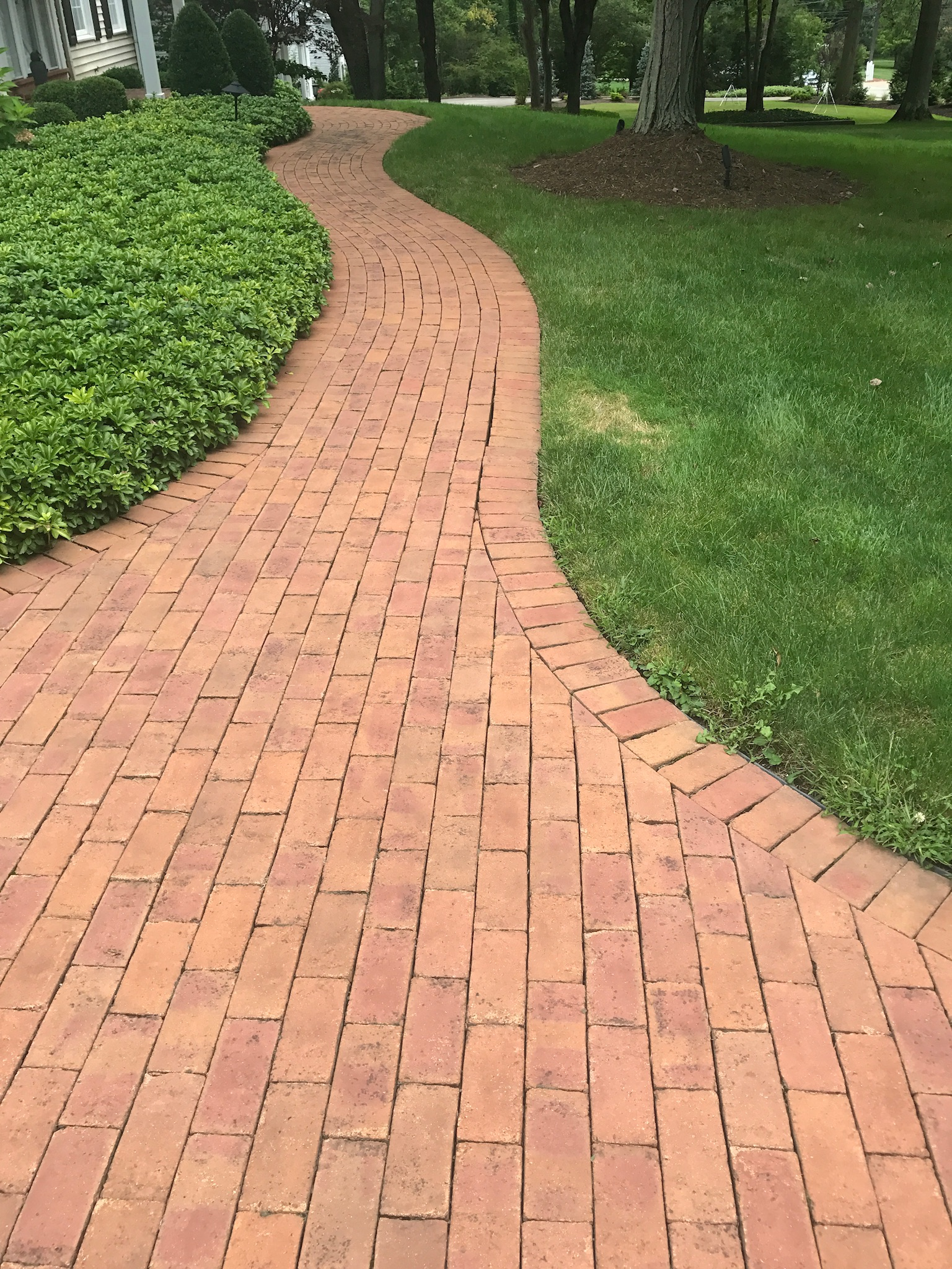 Walkway and patio pavers landscape design in Chagrin Falls, OH