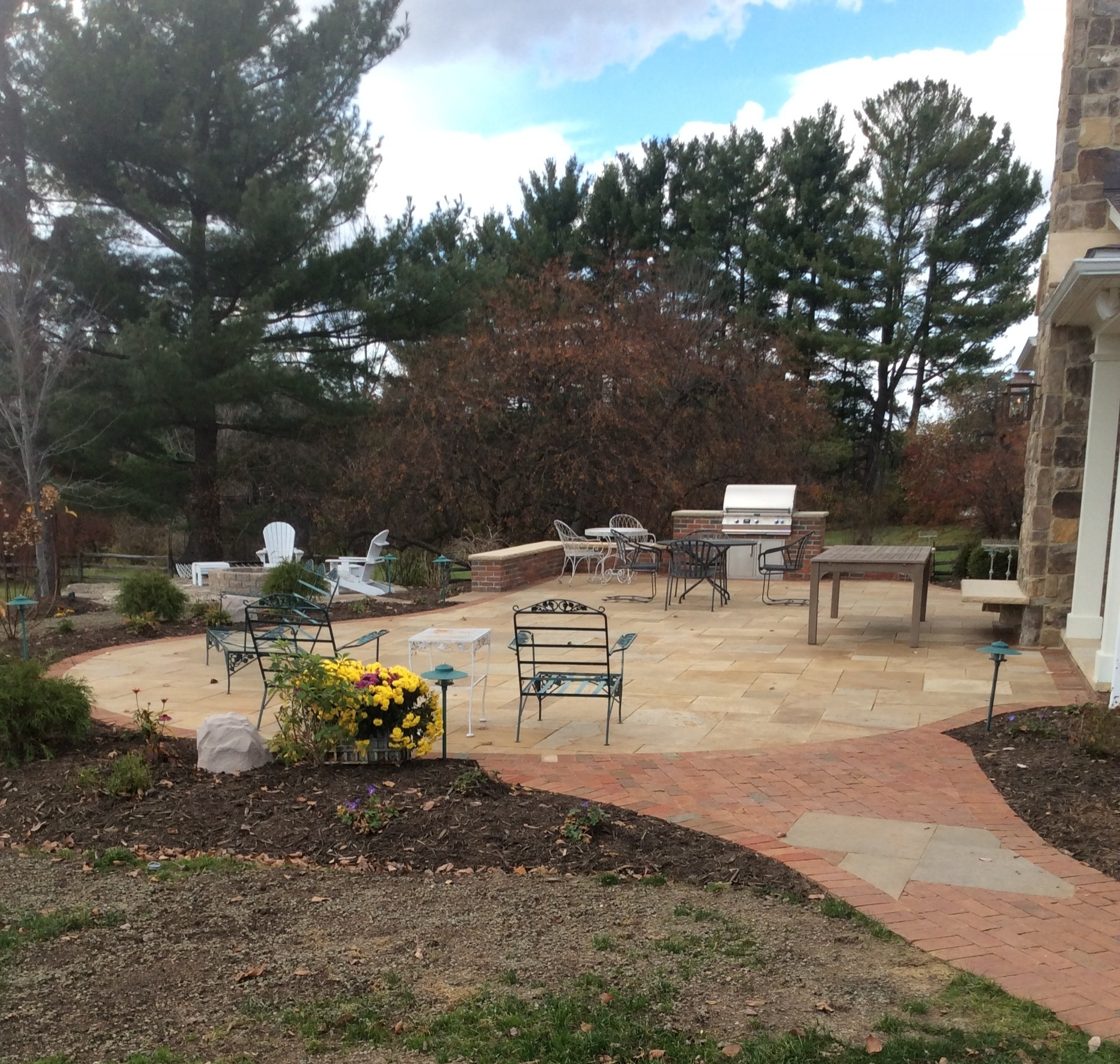 How Landscaping Companies Can Create an Outdoor Living Space That Best Complements Your Home and Lifestyle in Hudson, OH