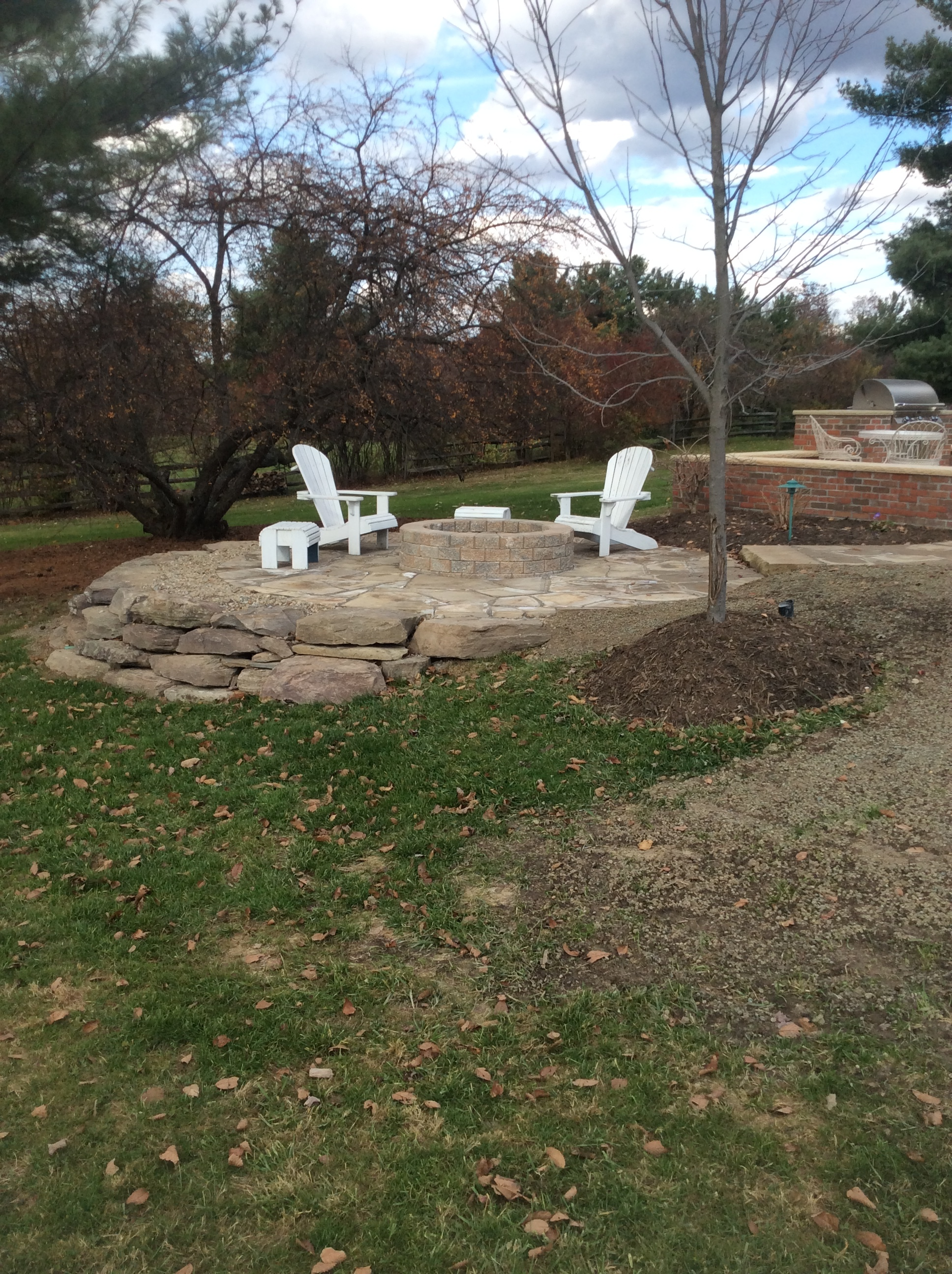 4 Tips for Creating Beautiful Curved Retaining Walls in Hunting Valley, OH