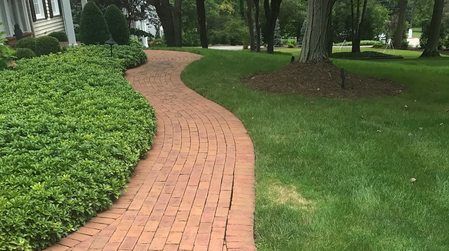 Enhance Your Hudson, OH, Landscape Design with Curved Walkways