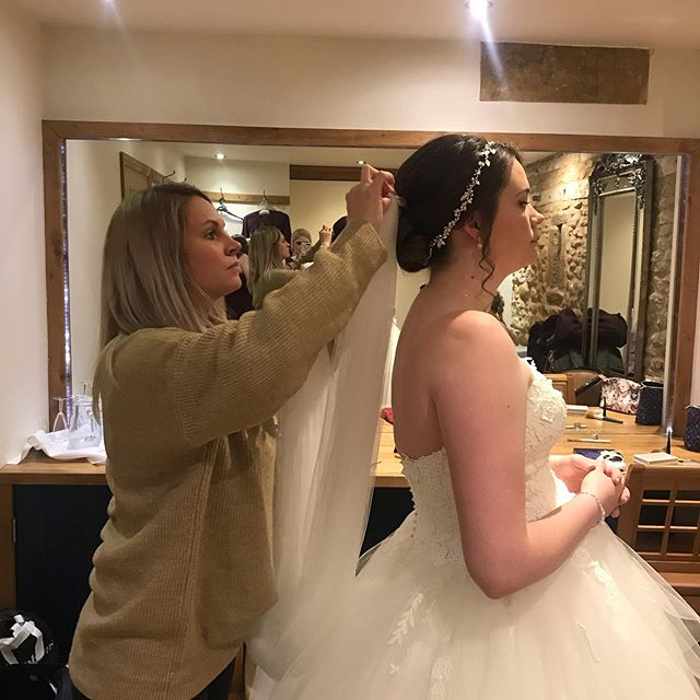 Final touches for the beautiful Amy @dodford_manor yesterday ❤️