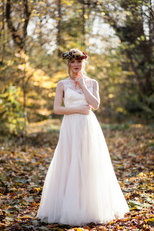 bridal look bridal dress and flower crown..jpg