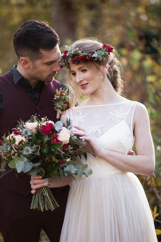 bridal look bridal bouquet bridal flower crown,.jpg
