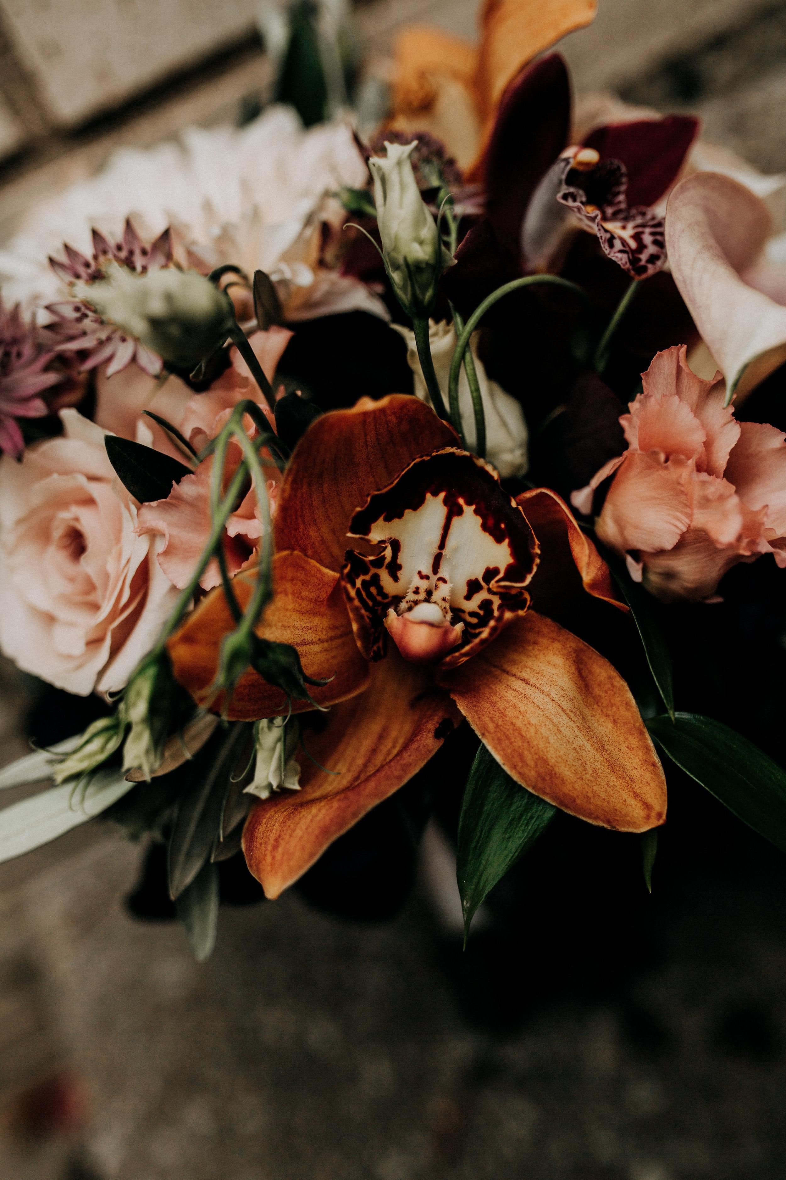 rustic wedding fall colors bridesmaids bouquet fall.jpg