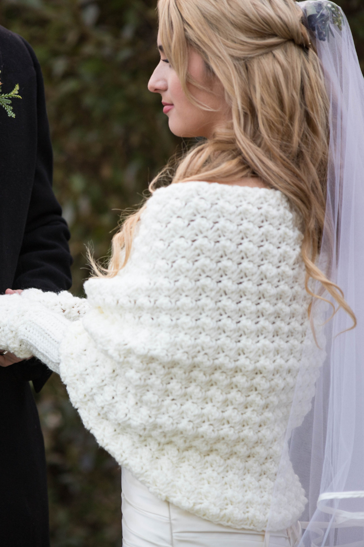 knit bridal cape laremi.png