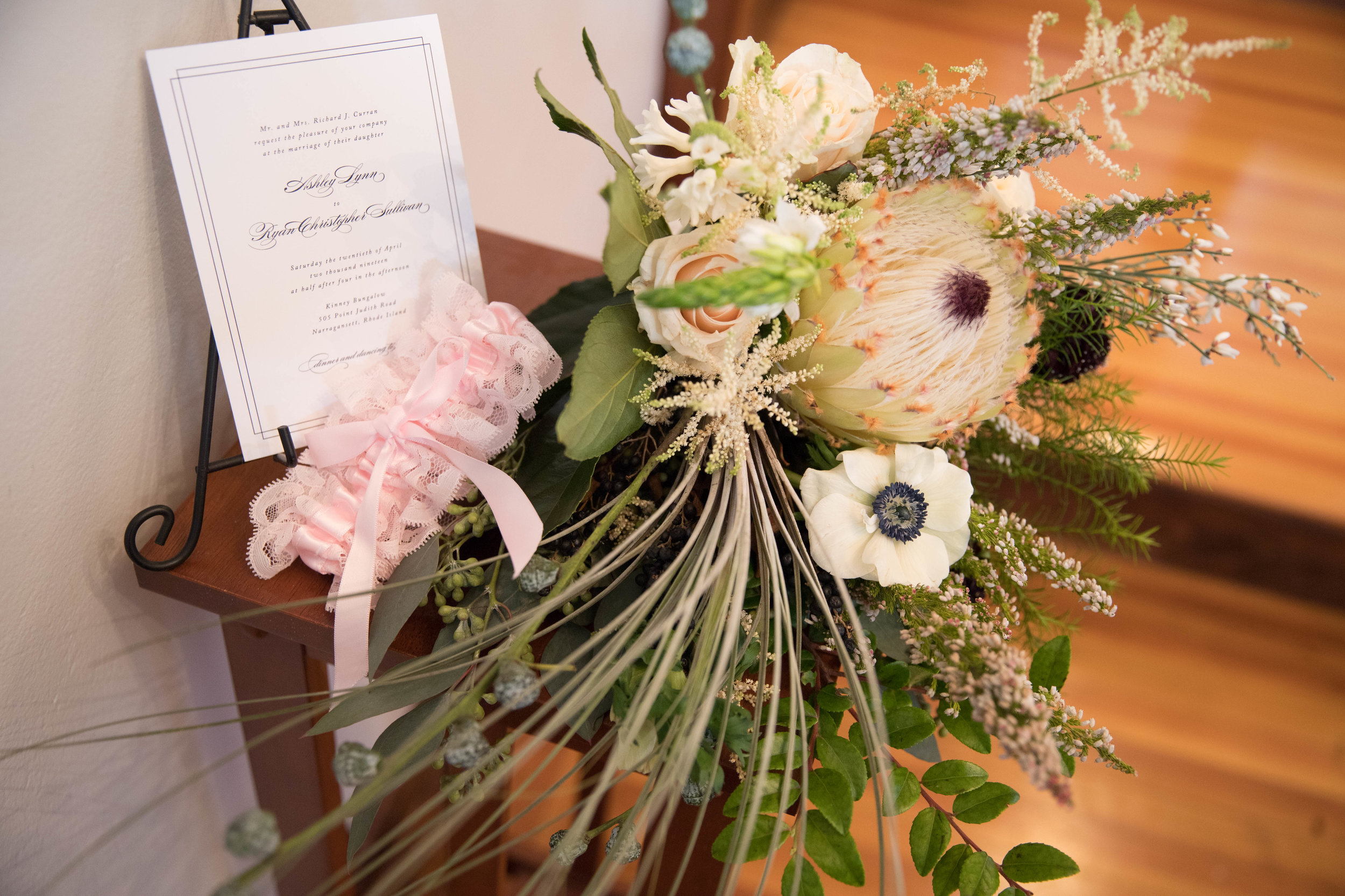 wedding budget tips wedding flowers.jpg